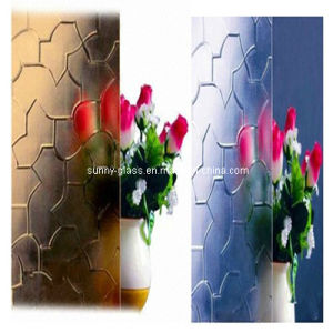 Clear & Colored Patterned Decorative Glass Karatachi pictures & photos