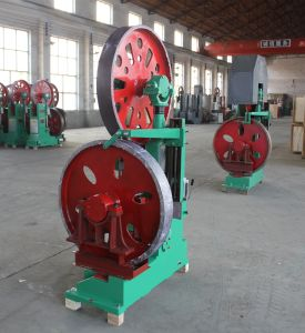 600mm Saw Blade Wood Cutting Saw Vertical Band Saws with Automatic Model Cars pictures & photos