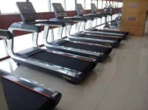 Running Machine / Commercial Treadmill Tz-7000 pictures & photos