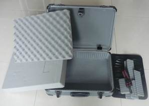 Aluminum Case with Diced-Foam Wave Foam and Should Strap pictures & photos