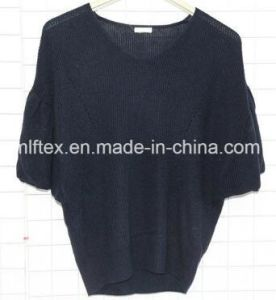 Black Round Neck Knitted Clothing for Women pictures & photos
