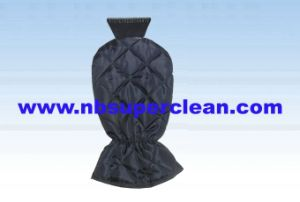 Hot Selling Snow Shovel Ice Scraper with Thickening Glove (CN2133) pictures & photos