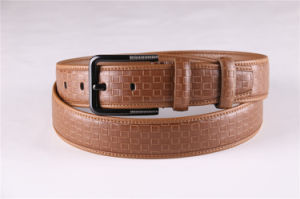 Fashion Men′s Leather Belt with Embossed