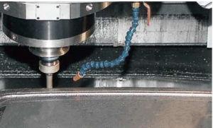 Hot Selling in 2017CNC Machining Center, CNC Milling Machine, CNC Machine (EV-1060) pictures & photos