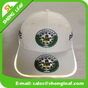 Hot Sale Fashion Design Leather Patch Snp Back LED Cap pictures & photos
