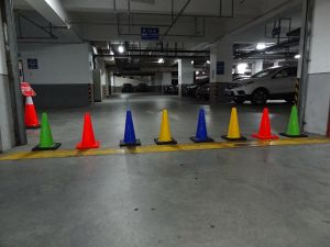 Manufacturer 30cm New PVC Cone, Road Safety Mini Cone pictures & photos