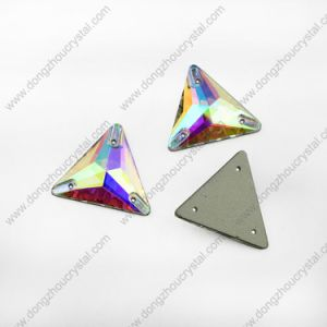 Flat Back Triangle Sew on Rhinestone for Wedding Dress pictures & photos