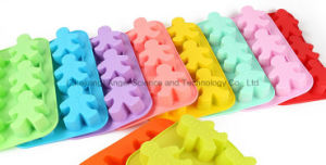 Promotional Silicone Cake Tool Big Gingerbread Man Silicone Bakeware Sc28 pictures & photos