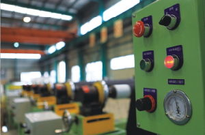 Coil to Coil Wide Belt Grinding /Polishing Machine pictures & photos