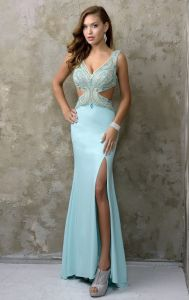 Sexy V-Neckline Party Prom Gowns Hole Beading Evening Dress Nc1217 pictures & photos
