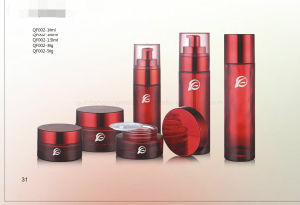 The Gracefully Red Round Cosmetics Glass Bottle and Transparency Bottle Hood Qf-070 pictures & photos