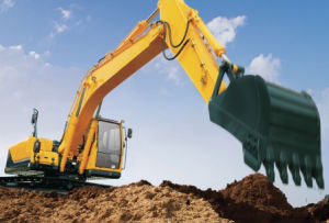 Very Cheap Crawler Excavator (Se210) pictures & photos