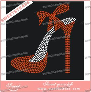Accept Customized Rhinestone Transfer Design for Garment pictures & photos