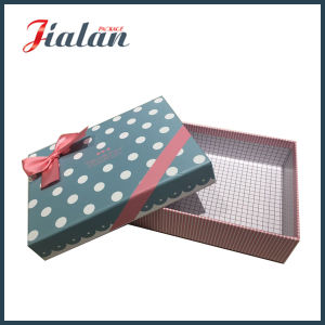High Quality Wholesale Matte Lamination Gift Paper Box with Bows pictures & photos
