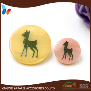 Dyed Engraved Shell Button with Shank pictures & photos
