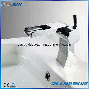 2017 New Design Brass Waterfall Bathroom Basin Faucet pictures & photos
