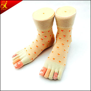 Five Toe MID-Calf Japanese Socks pictures & photos