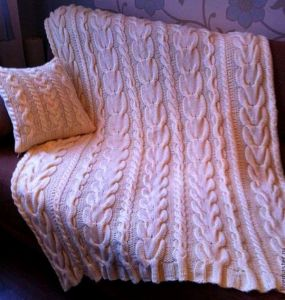 Custom Fashion New Design Hand Knitted Blanket Throw pictures & photos