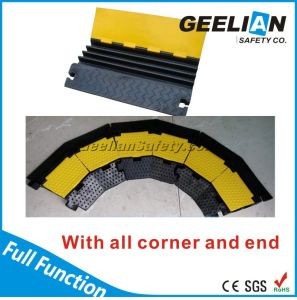 Yellow Cover 3 Channel Rubber Cable Protector pictures & photos