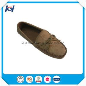 New Design Comfort Flat Wholesale Men′s Moccasin Shoes pictures & photos
