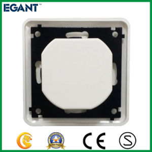 Professional 2.4A Output USB Electrical Socket pictures & photos