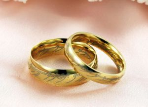 18k Gold Plated Anti Rust Engraved Titanium Steel Fashion Woman Rings Stainless Steel Jewelry pictures & photos