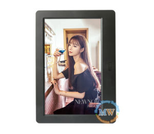 2017 New Design Slim LCD 7 Inch Digital Photo Picture Frame pictures & photos