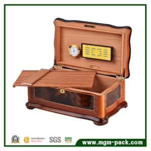 Innovative Humidor Cedarwood Cigar Box with Divider pictures & photos