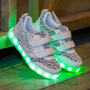 Kids LED Light up Shoes with 7 Colors Growing, Kids Children LED Shoes, LED Light Shoes for Kids Children pictures & photos