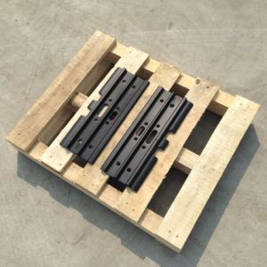 Heavy Equipment Undercarriage Spare Parts Excavator Steel Track Shoe for Komatsu, Caterpillar, Volvo, Doosan, Hyundai pictures & photos