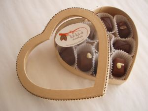 Valentine′s Day Heart-Shape Chocolate Box with Window / PVC Window Chocoalate Case / Heart Chocolate Box with Window pictures & photos