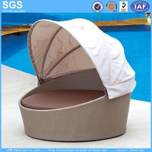 Resort Hotel Outdoor Round Sofa Bed Garden Furniture Rattan Daybed pictures & photos