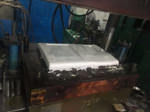 SMC BMC Compression Mould Making pictures & photos
