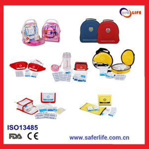2015 OEM Popular Christmas Festival Aid Kit Travel Gift First Aid Kit Travel of First Aid Kit Keepsake pictures & photos