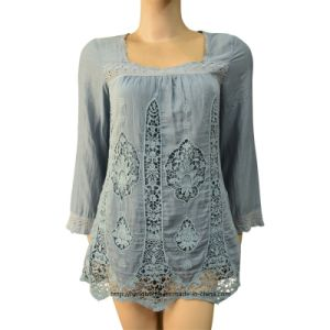 Women′s Woven Blouse with Embroidery (RTB14070) pictures & photos