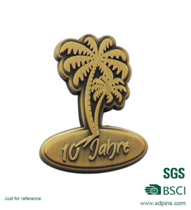 Die Struck Metal Coconut Tree Shaped Pin Badge pictures & photos