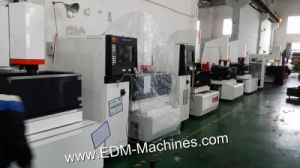 High Machining Speed CNC Sinking EDM Machine Dm400k pictures & photos