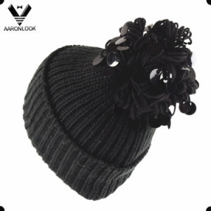 2017 Stylish Sequins Pompom Knitted Hat pictures & photos