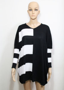 Lady Fashion Acrylic Knitted Striped Fringed Cardigan Sweater (YKY2004) pictures & photos