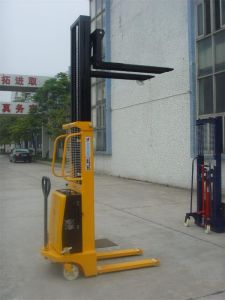 China OEM Offer 1.5t Semi-Electric Powered Stacker pictures & photos