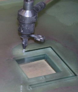 Waterjet Machine Cutting Glass pictures & photos