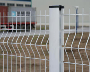 White Color Welded Wire Fencing with Peach Post pictures & photos
