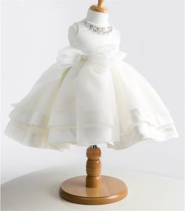 Kd1073 High-End Gorgeous Flower Girl Dress Decorated with Colored Diamonds pictures & photos