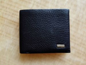 Guangzhou Supplier Fashion Genuine Leather Bifold Wallet for Mens (Z-123)