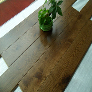 Hot Selling Black Oak Engineered Distressed Wood Flooring pictures & photos