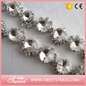 New Arrival Crystal Rhinestone Handmade Crystal Chain in Roll pictures & photos