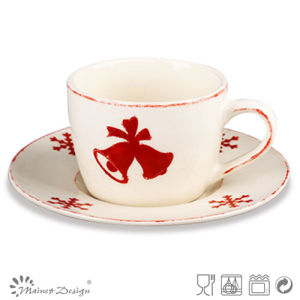 Christmas Red Colour Ceramic Cup and Saucer pictures & photos