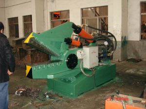 Hydraulic Metal Scrap Shearing Cutting Machine (Q08-160A) pictures & photos