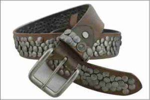Brown Fashion Genuine Leather Belt with Silver Stud pictures & photos