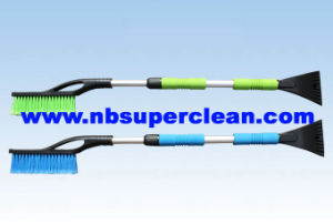 Extendable and Heavy- Duty Snow Brush (CN2251) pictures & photos